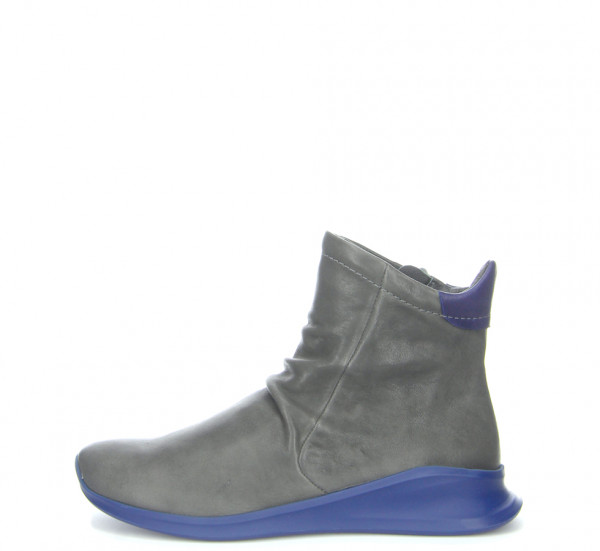 Think Waiv Damen Sneaker
